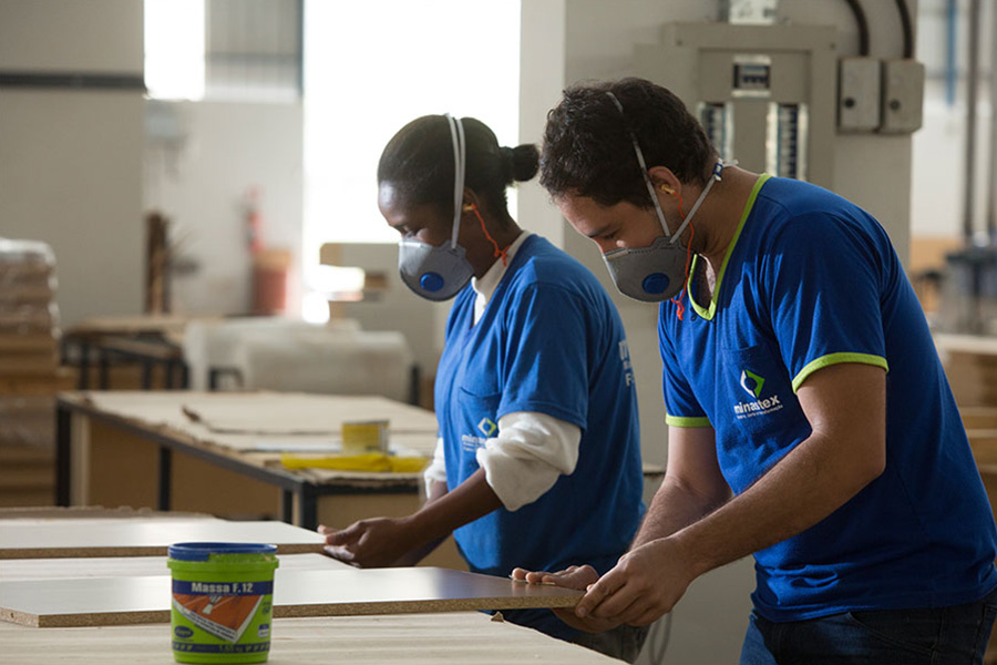 Chapas de MDF pré-cortadas e pintadas para móveis e portas residenciais